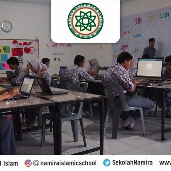 Siswa SMA Namira mengikuti simulasi UNBK 2020.