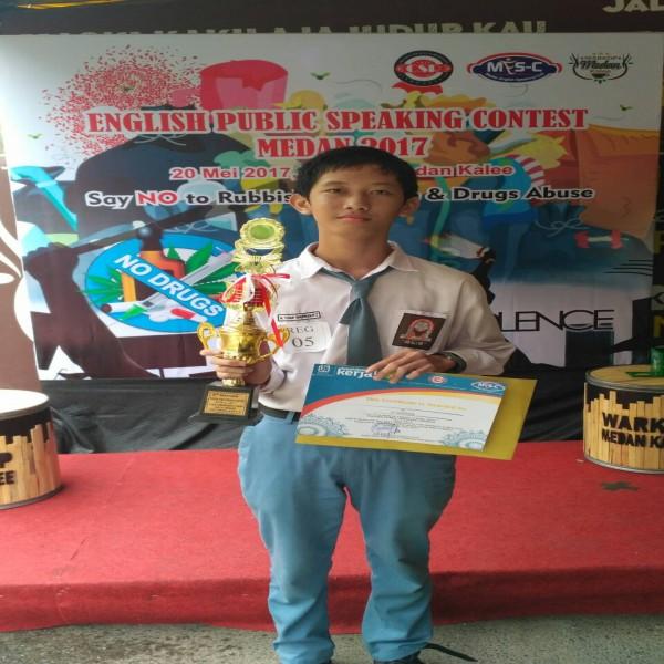 Siswa SMA Namira Raih Juara III English Public Speaking Contest