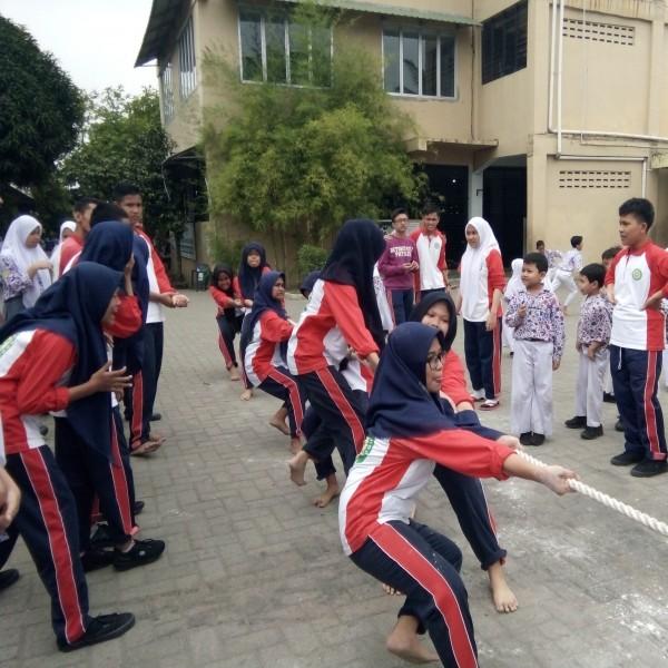 Keseruan Kegiatan Peringatan HUT ke-74 RI di SMA Namira