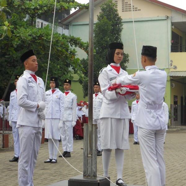 Upacara Peringatan HUT ke-74 RI di Sekolah Namira