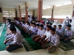 Siswa SMA Namira Melaksanakan Sholat Duha dan Zuhur setiap Hari