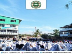Perayaan Hari Guru di Sekolah Namira